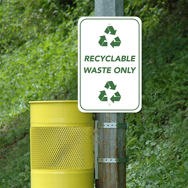 Mounted Vertical Recycle Only Sign